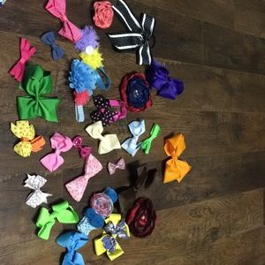 Lot of 28 bows